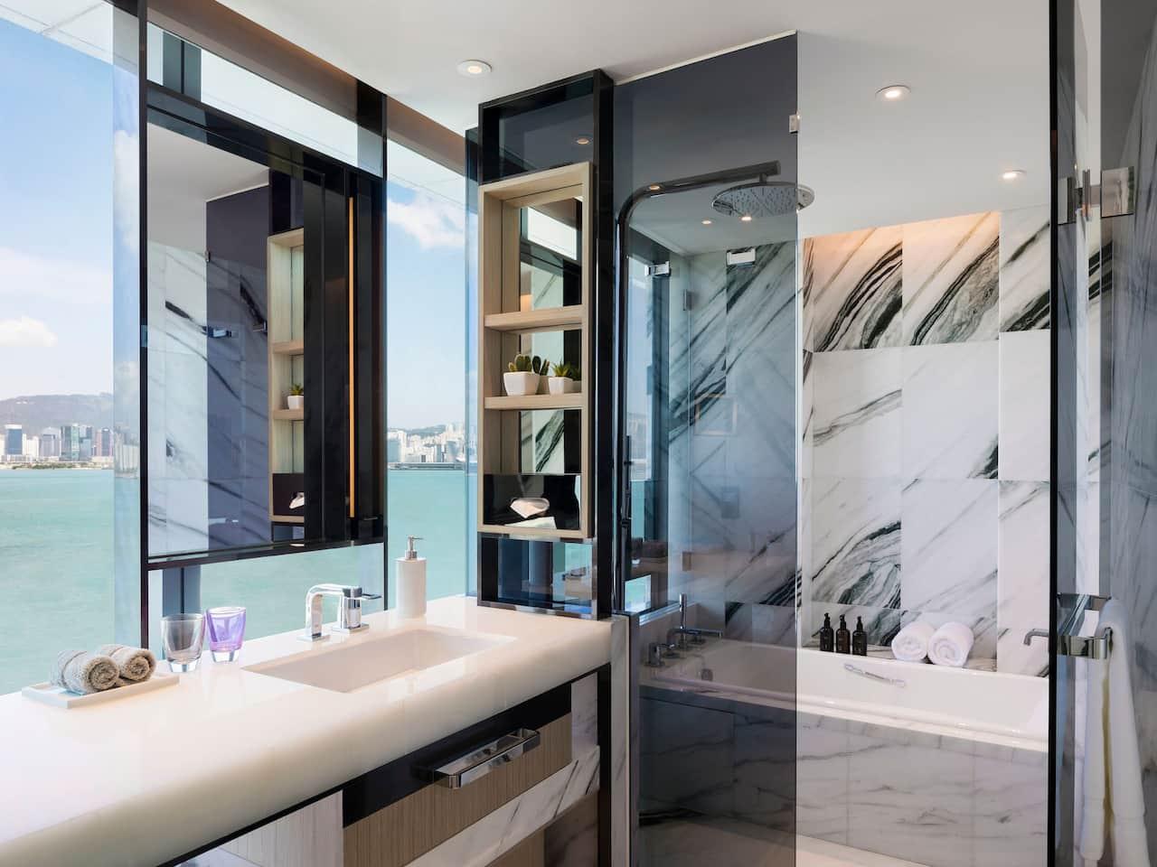 Hyatt Centric Victoria Harbour Deluxe Harbourfront Bathroom