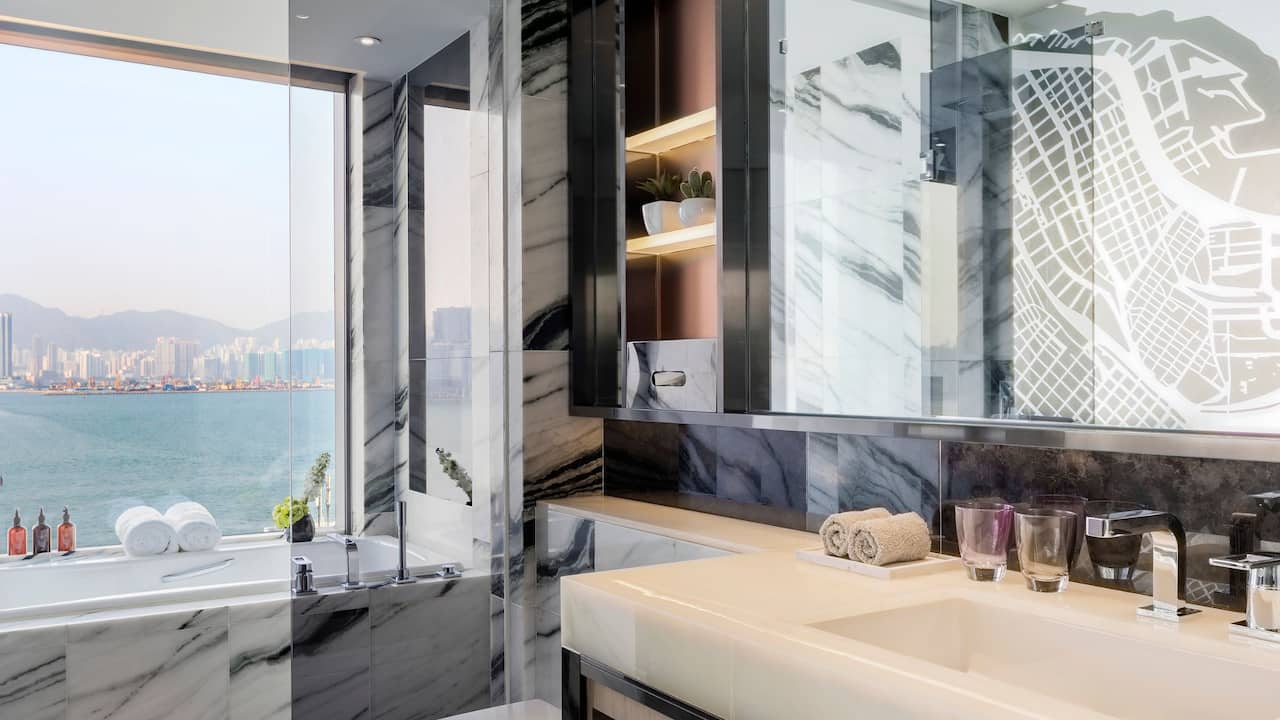 Hyatt Centric Victoria Harbour Hong Kong Bathroom