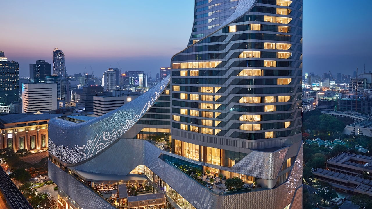 Luxury 5-star Hotel in Bangkok Map, Parking and Transportation