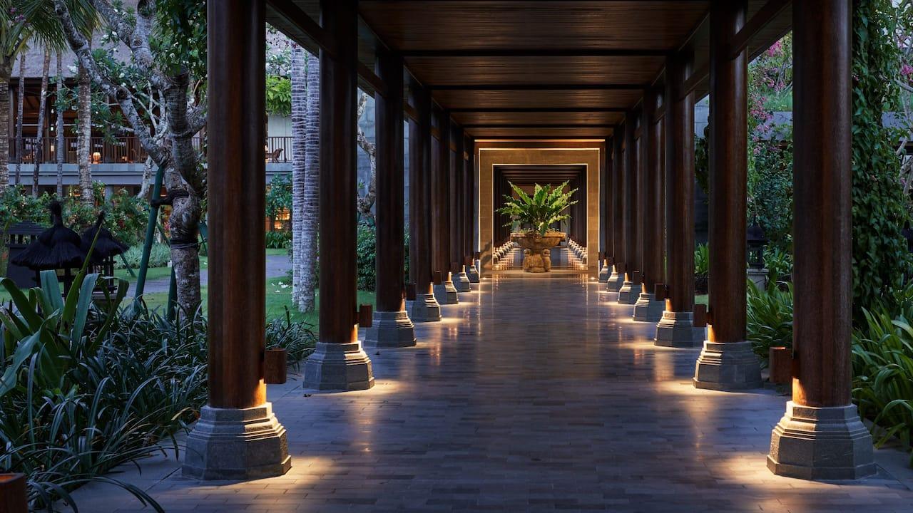 Food, drink and venue of Omang Omang restaurant Sanur Bali