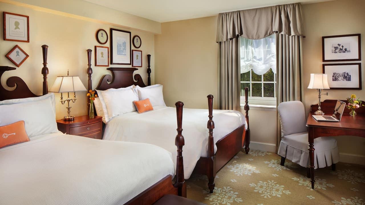 2 Queen Beds Premium ADA Shower