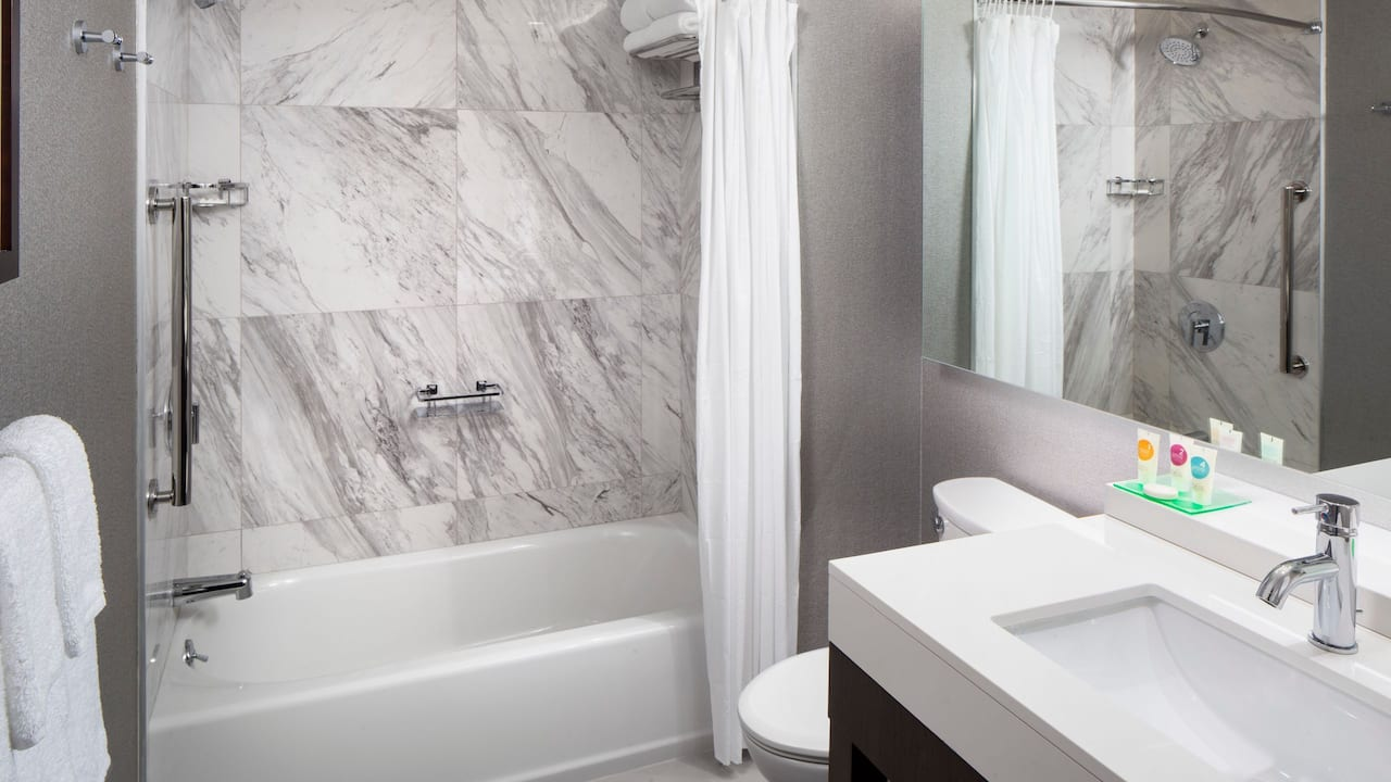 Guest Bathroom with Bathtub
