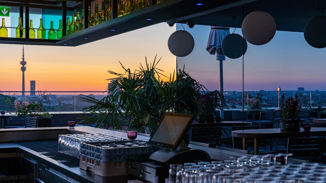 Andaz Munich Schwabinger Tor M'Uniqo Rooftop Bar