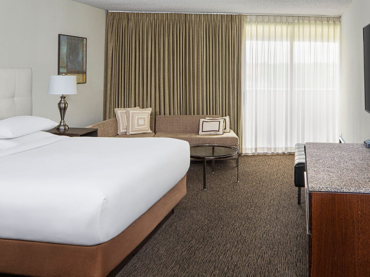 Hyatt-regency-new-brunswick-standard-king