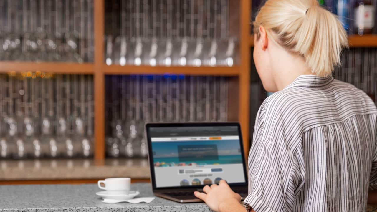 Woman Working Coffee to Cocktails Bar