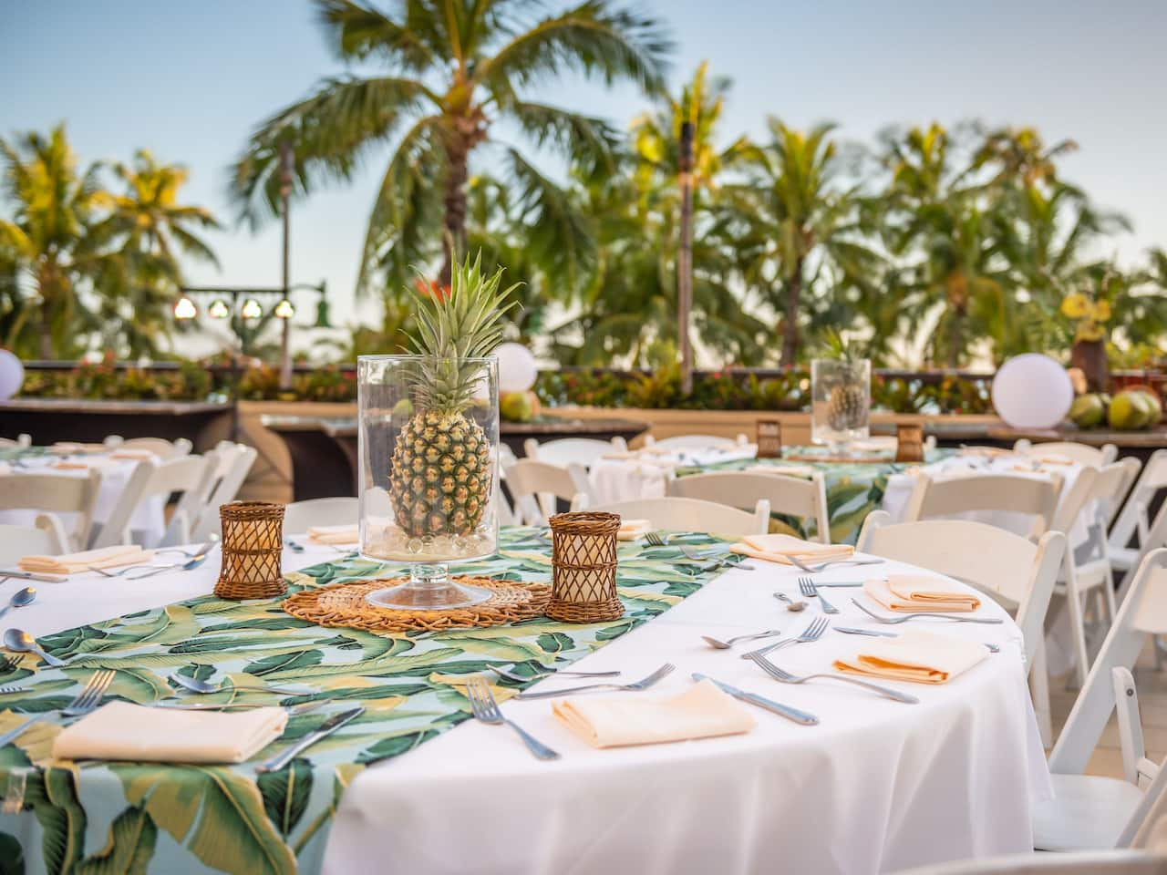 Na Lea Terrace Sunset Banquet