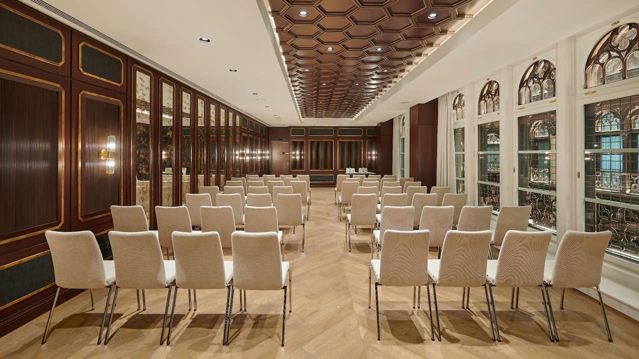 Parisi Udvar Budapest meetings