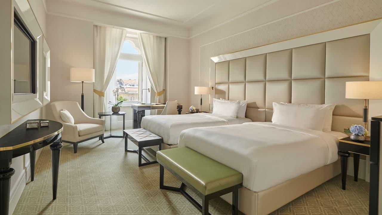 Parisi Udvar Deluxe Twin Room