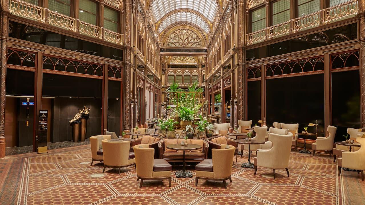 Parisi Udvar Hotel Budapest Lobby