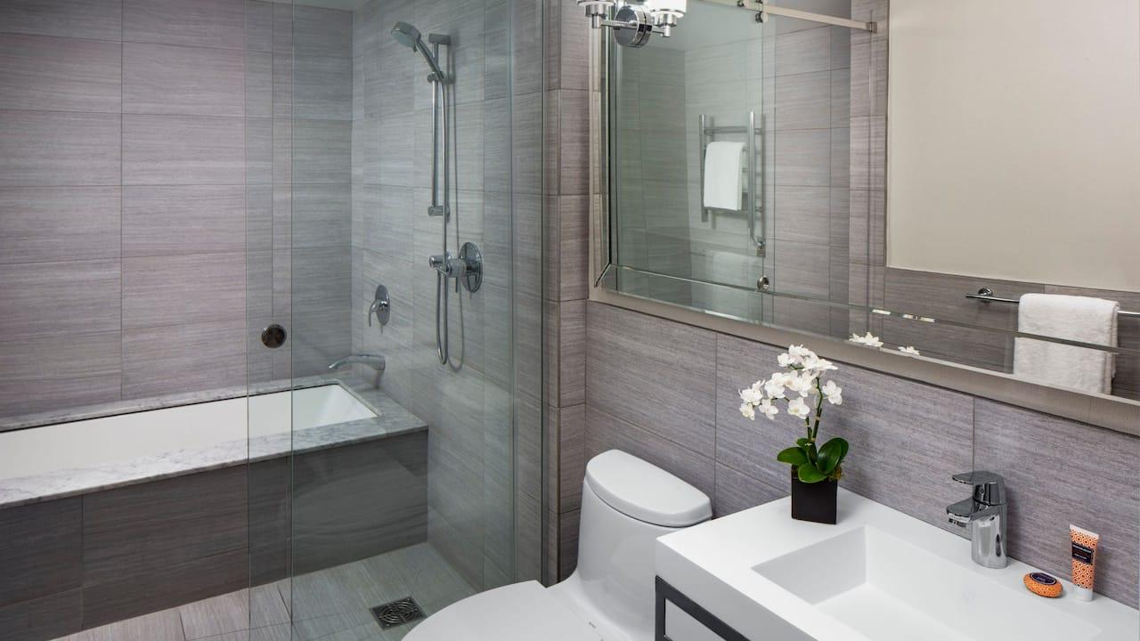 1 King Brownstone Executive Bathroom