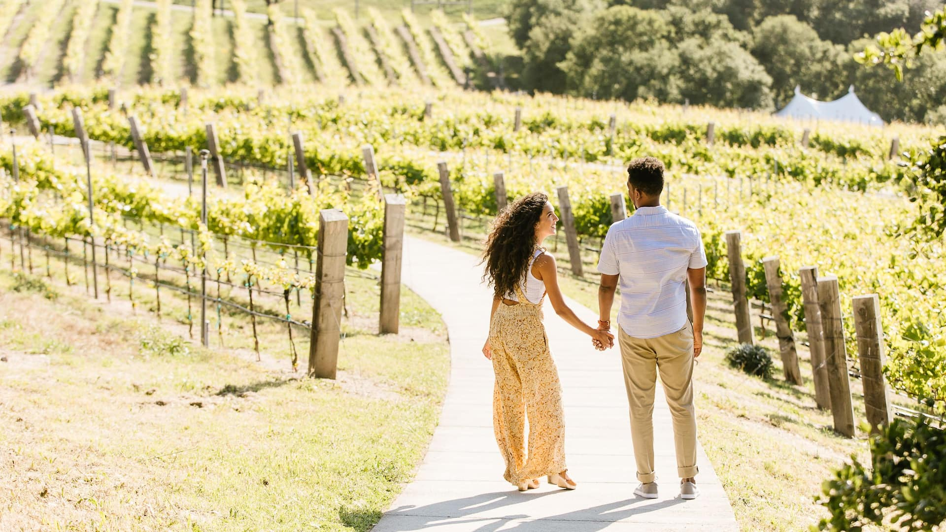 SJCJC_P137_Lifestyle_Vineyard_Walk_Couple