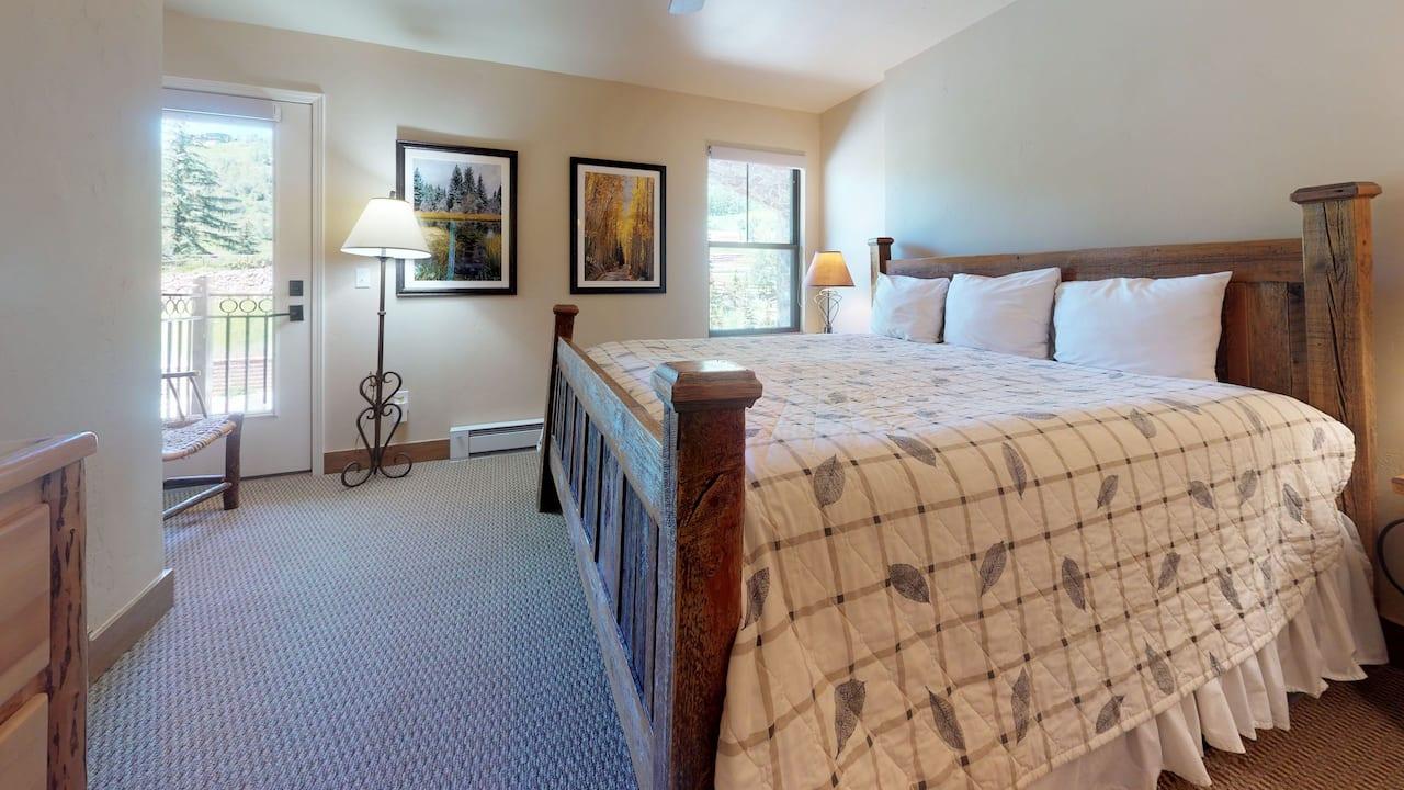 3 bedroom condo with 2 bath