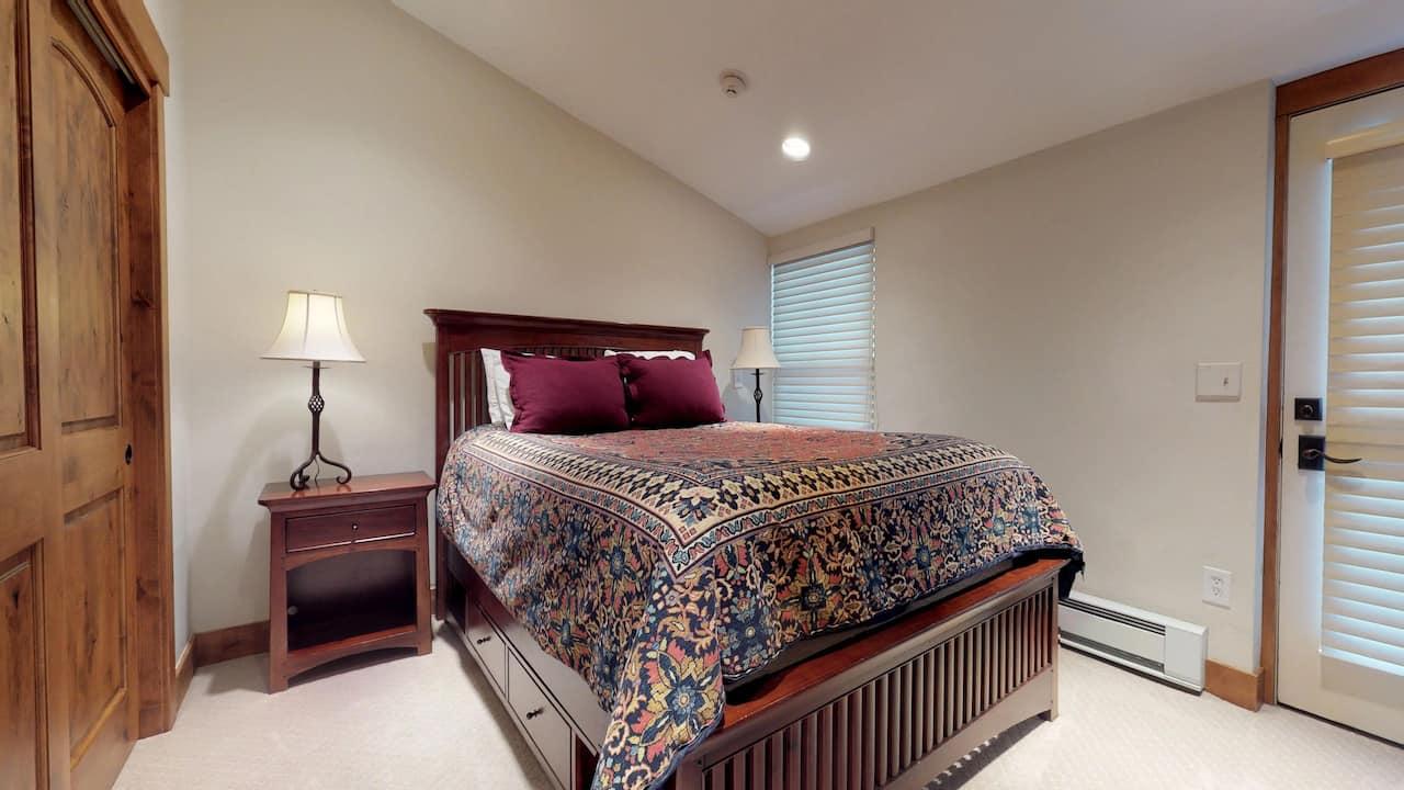 3 bedroom condo with 3 bath, platinum