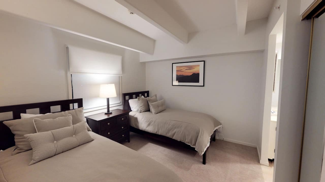 3 bedroom condo with 4 bath, platinum