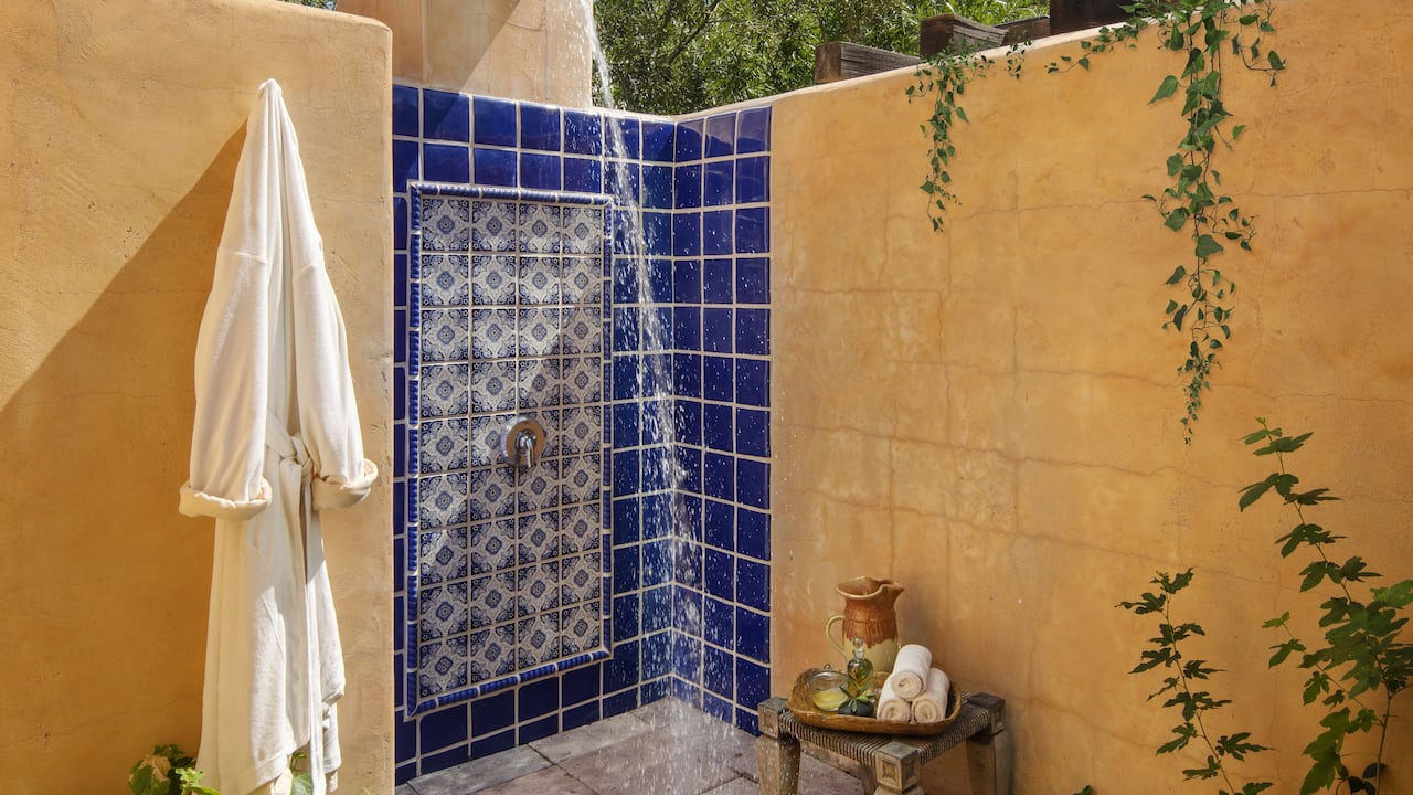 Alvadora Spa Outdoor Shower