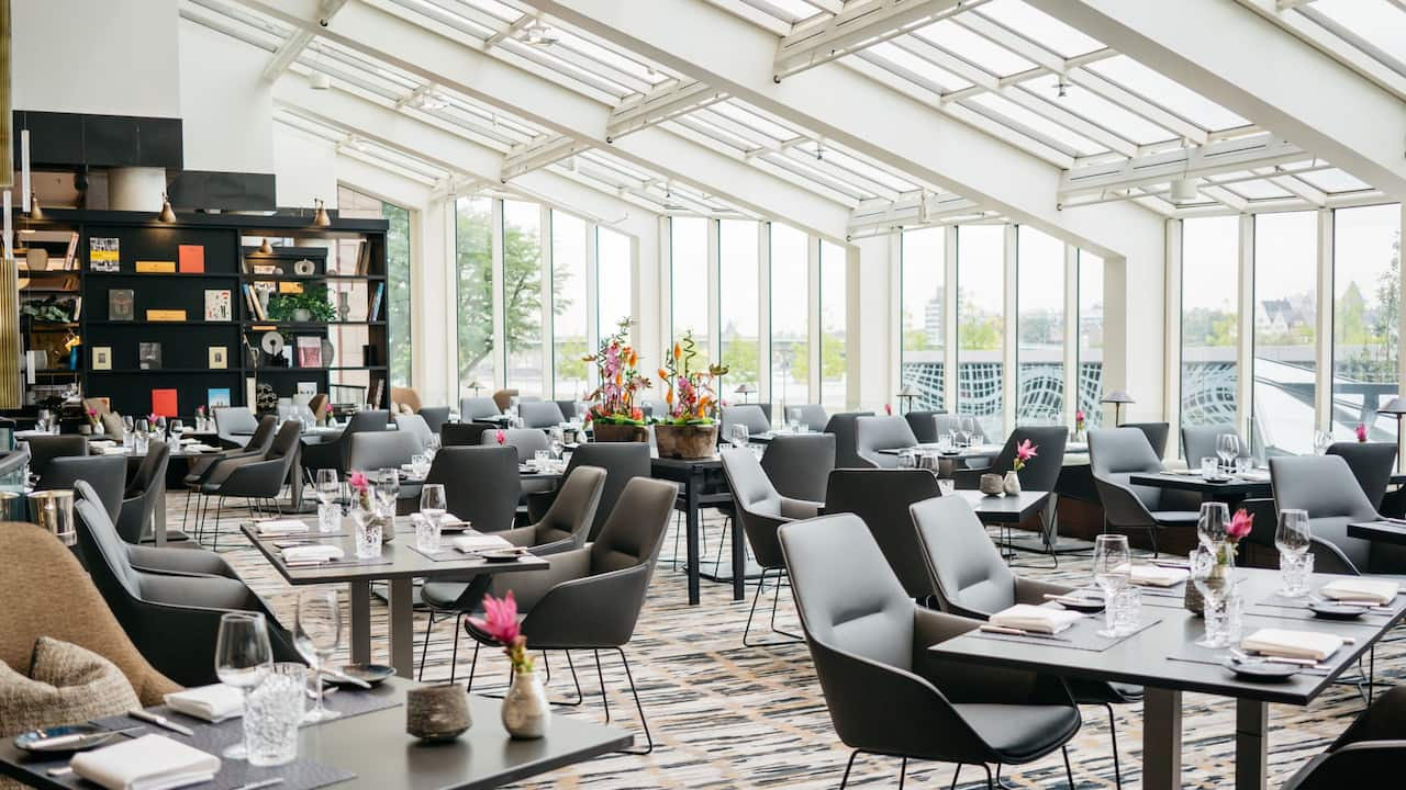 Glashaus Restaurant overview at Hyatt Regency Cologne