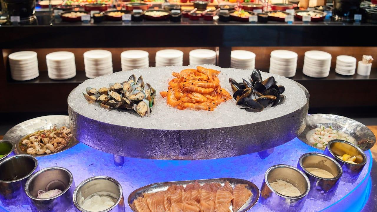 Seafood Buffet - Grand Hyatt Erawan Bangkok