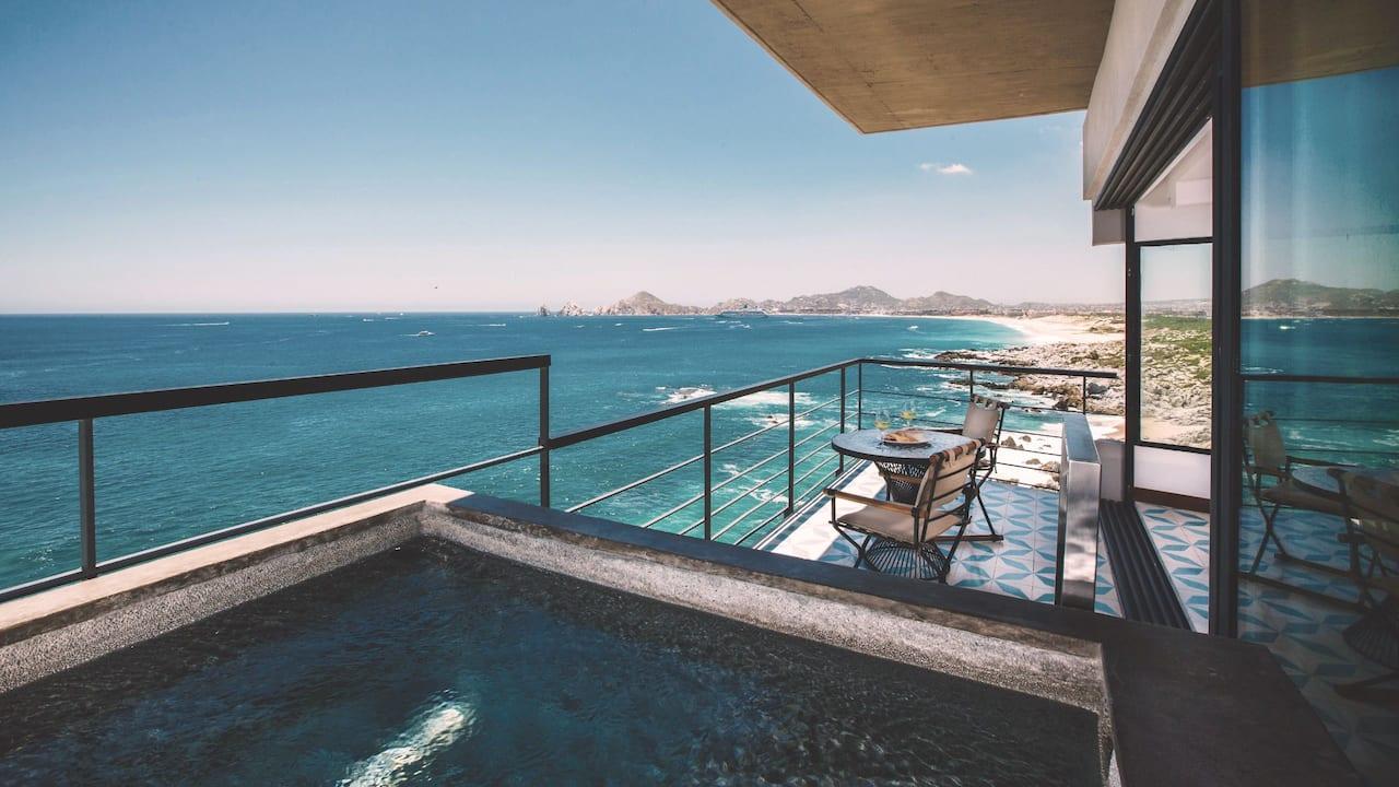 panoramic ocean king suite w/ plunge pool