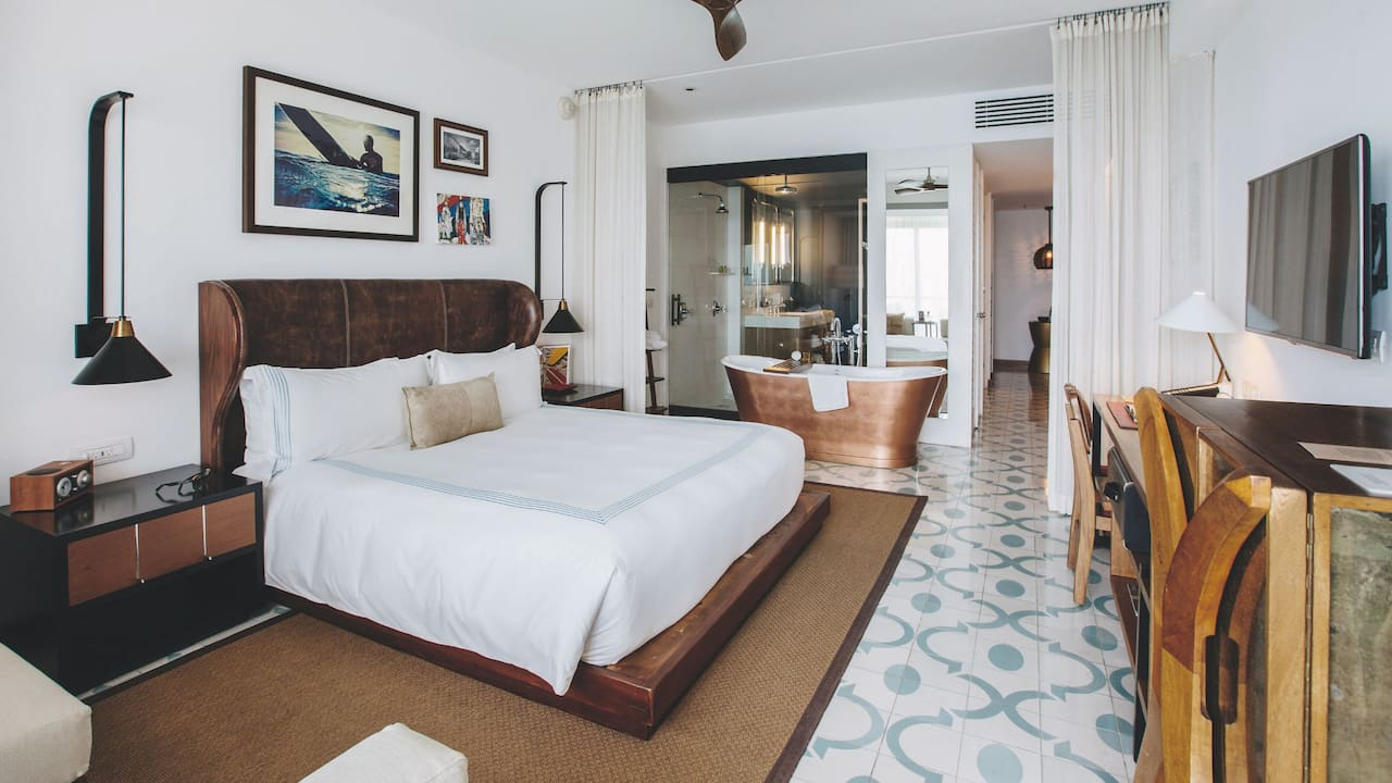 1 King Bed Deluxe with Ocean View