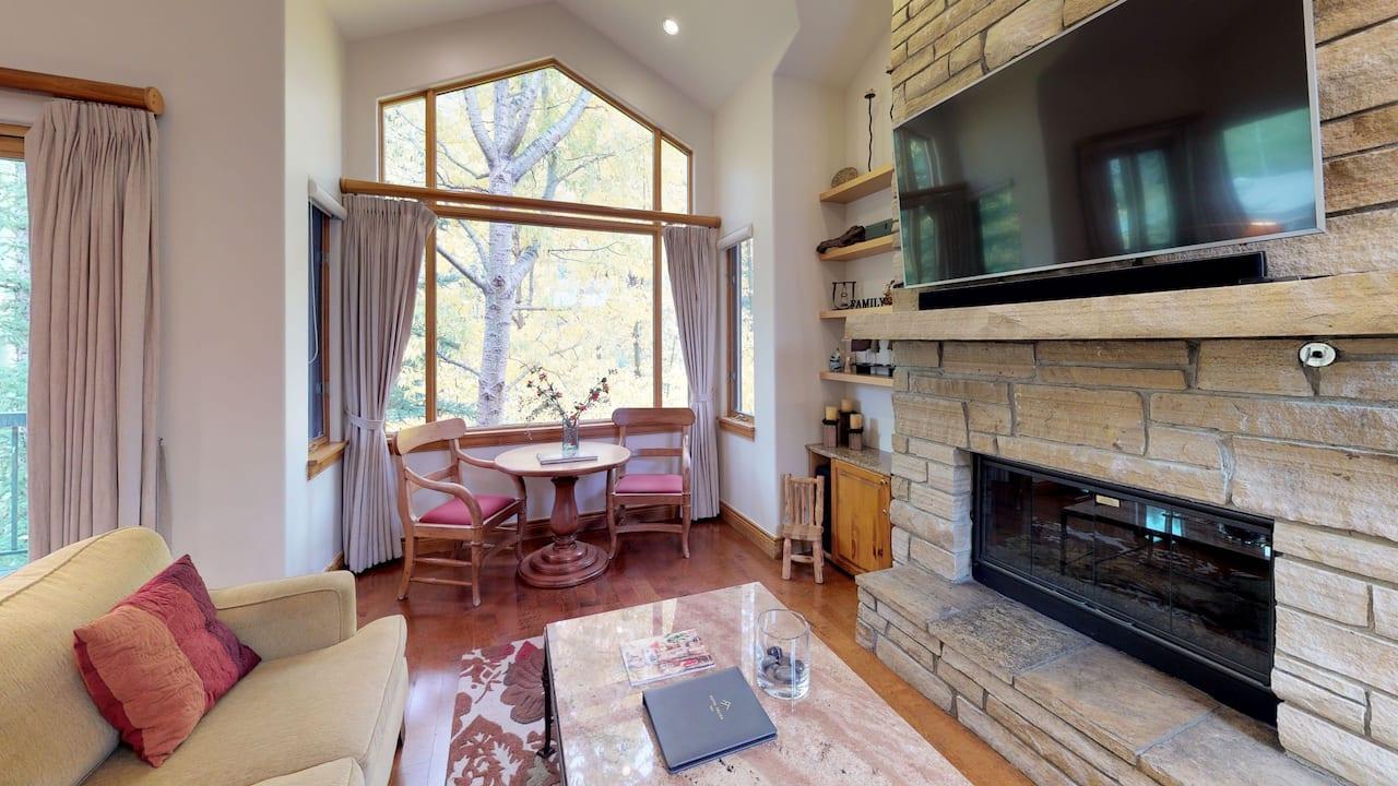 Four Bedroom Platinum Cascades on Gore Creek Living Area