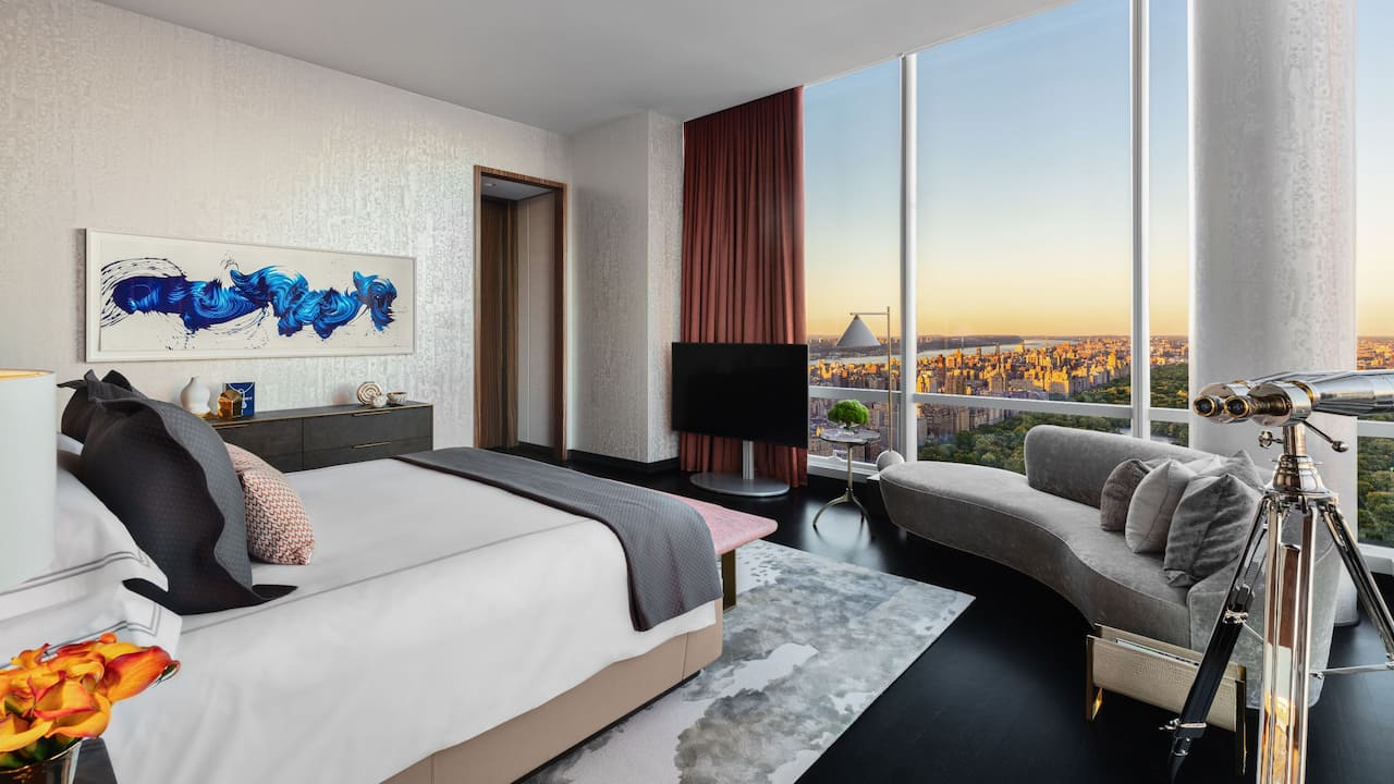 Manhattan Sky Suite Master Bedroom