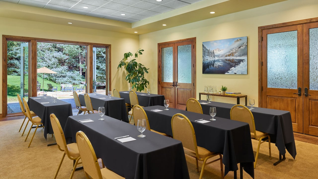 Villas at Snowmass Club meeting room