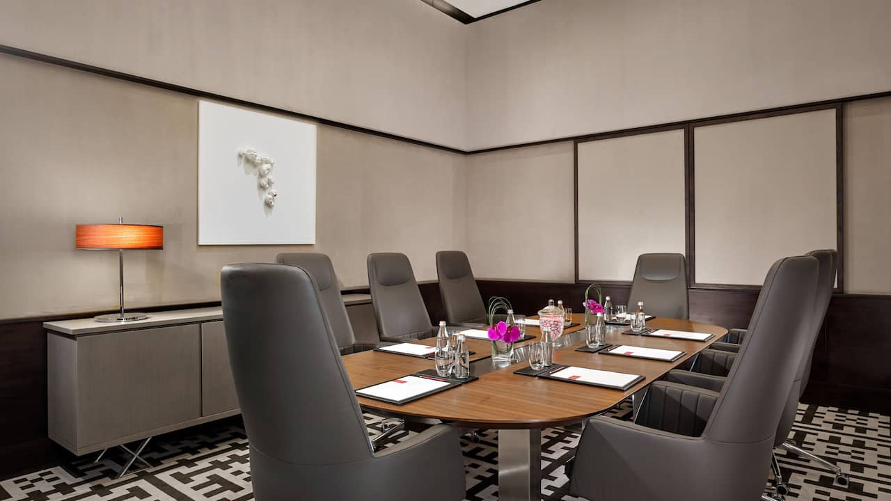 Boardroom grand hyatt abu dhabi hotel
