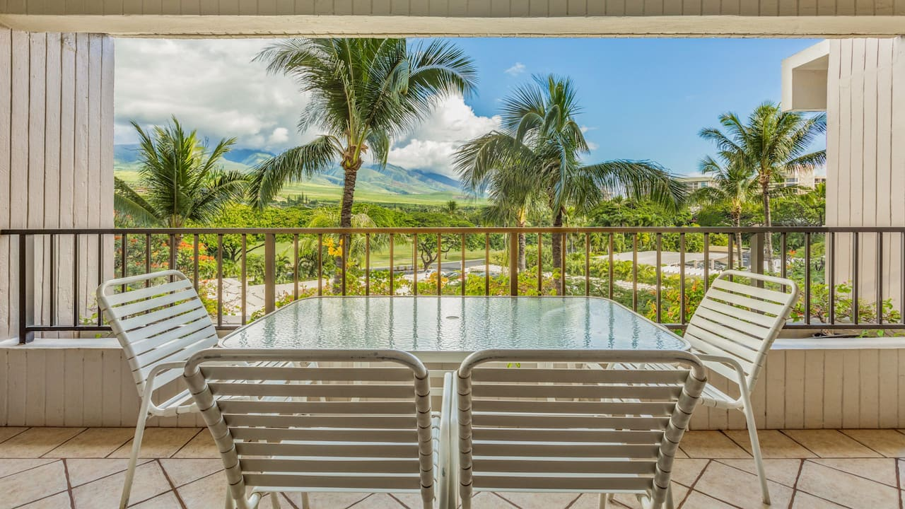 2 Bedroom Condo with Mountain View