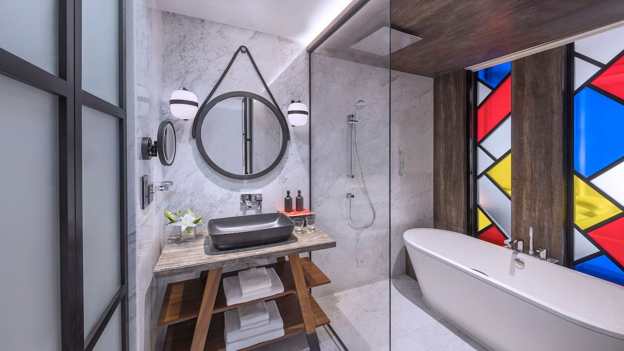 Andaz Room Bathroom