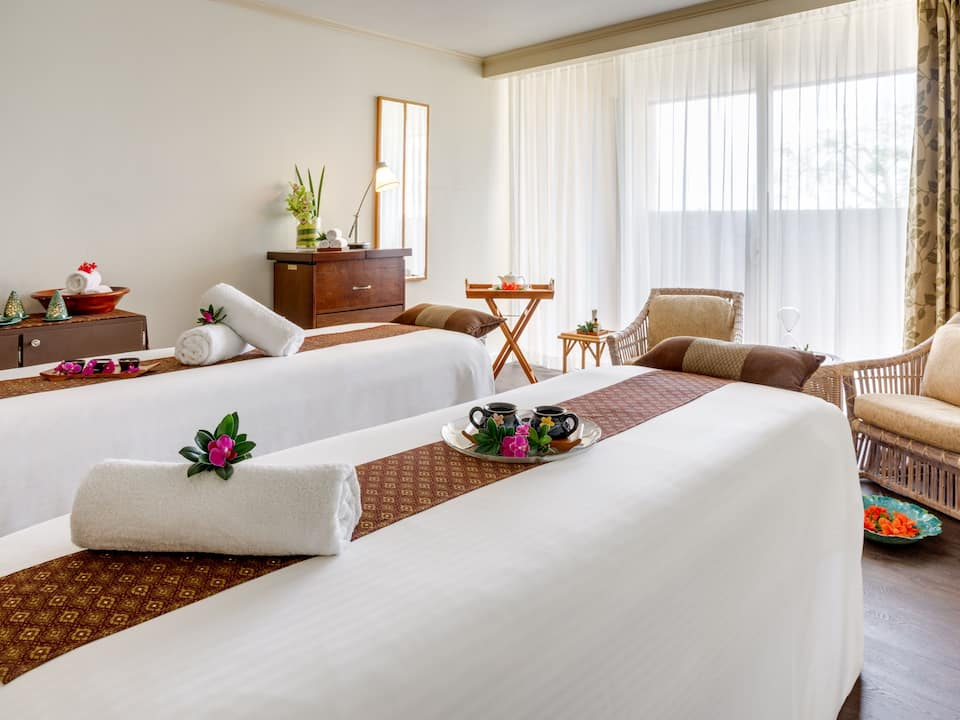 Spa suite beds
