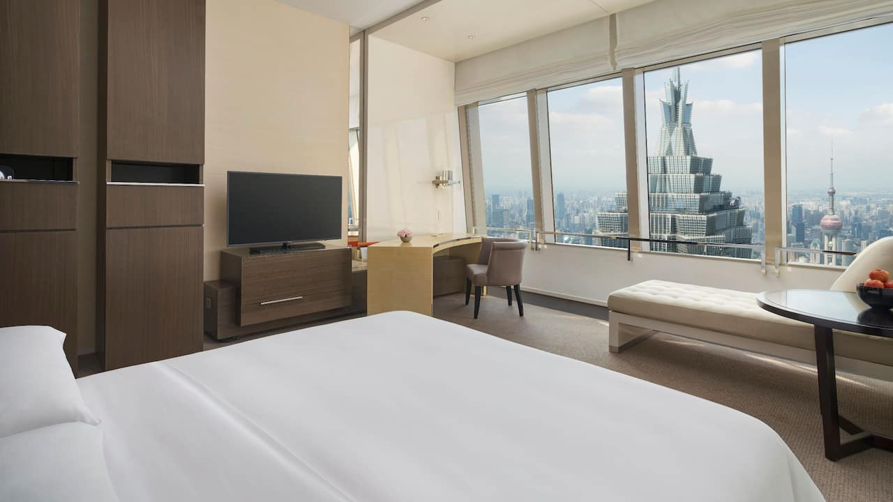 Bund View king guest room