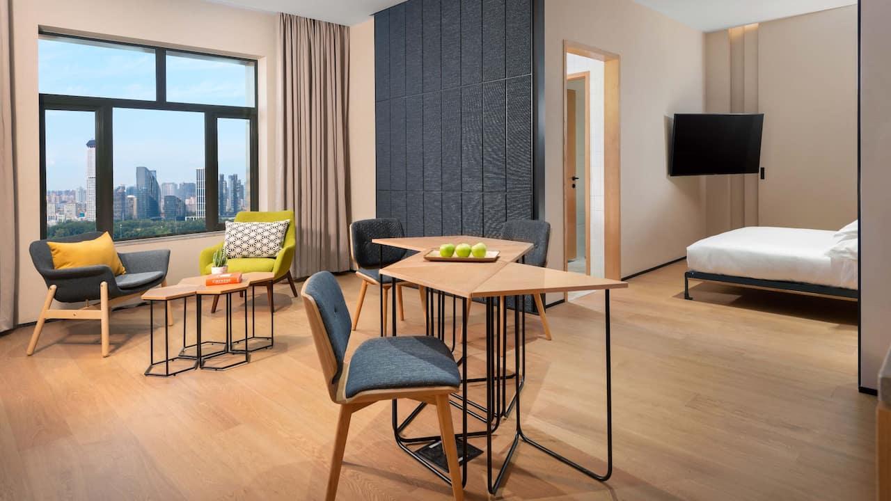 BEI-Zhaolong-Hotel-a-Joie-de-Vivre-hotel-JDV-Suite-Sanlitun-View