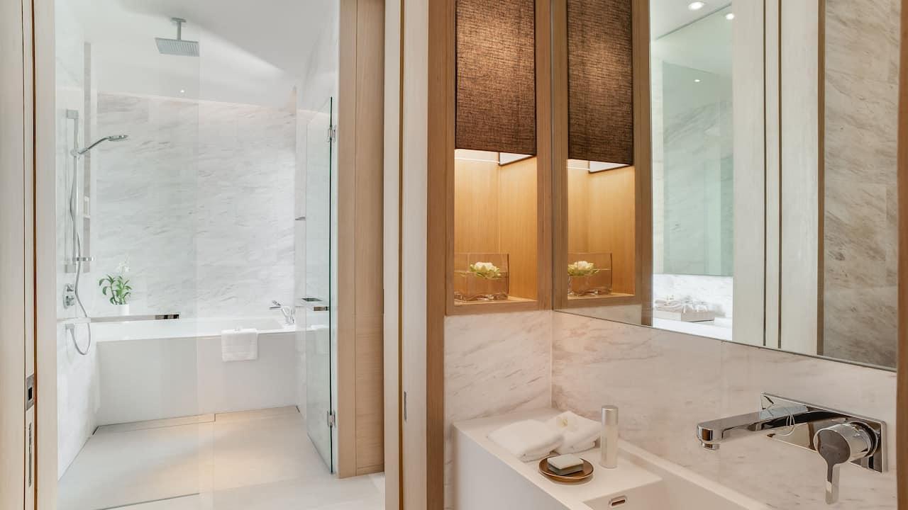 Penthouse Private Pool Bathroom