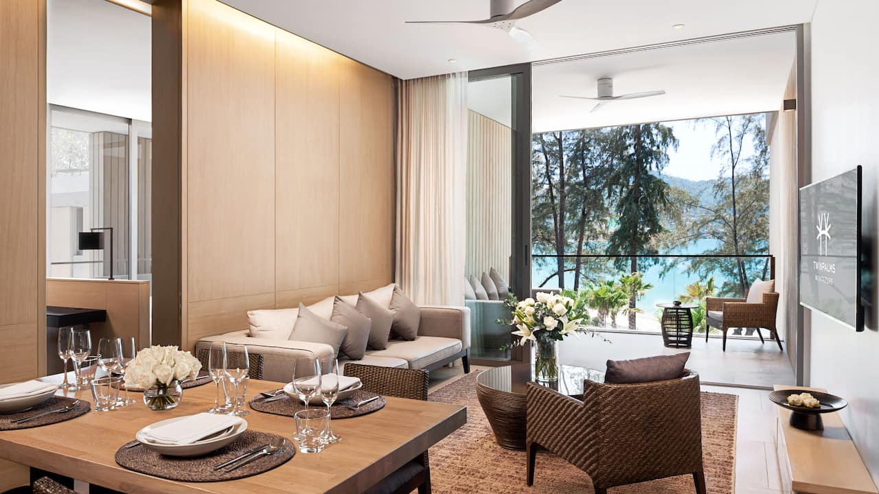 Penthouse Private Pool Dining Room