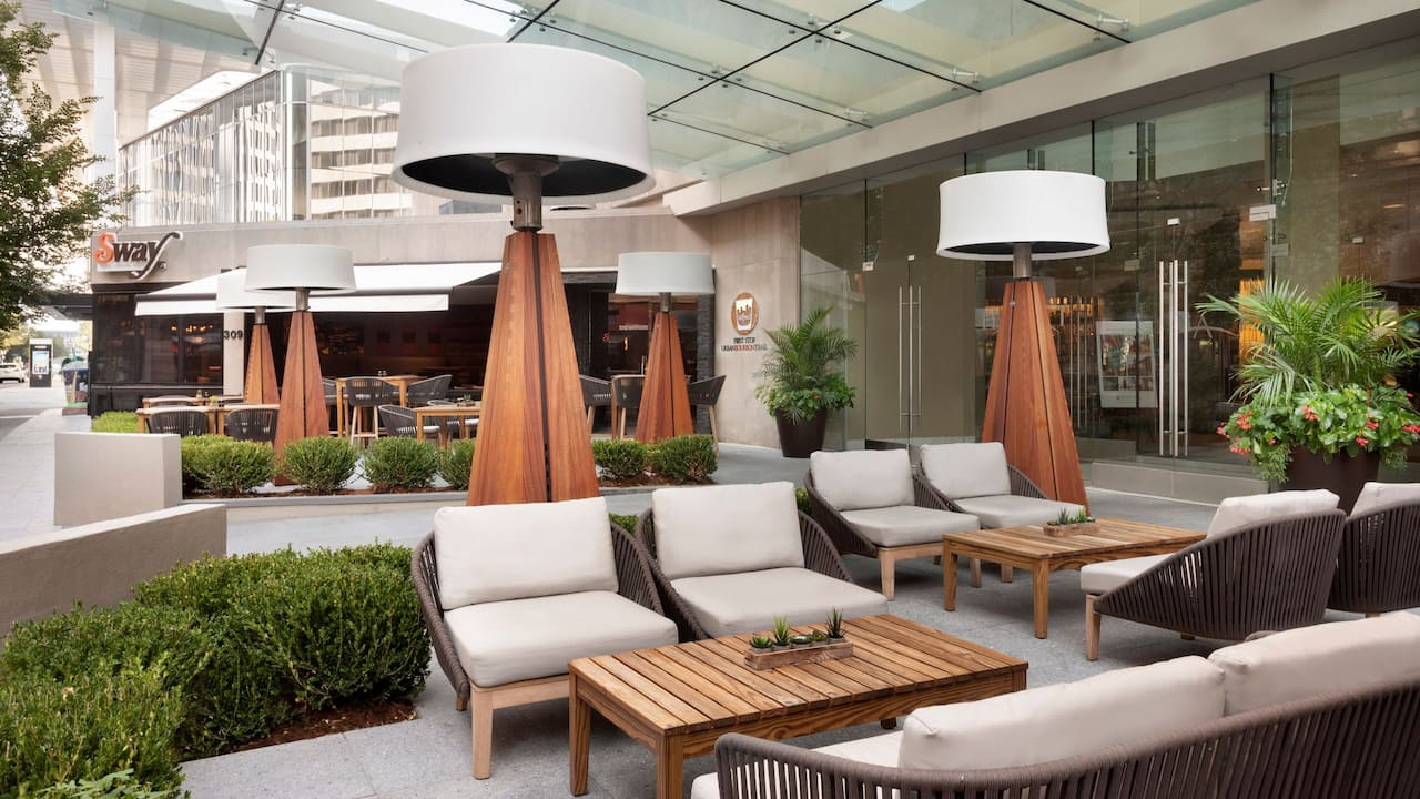 Hyatt Regency Louisville Sway Patio
