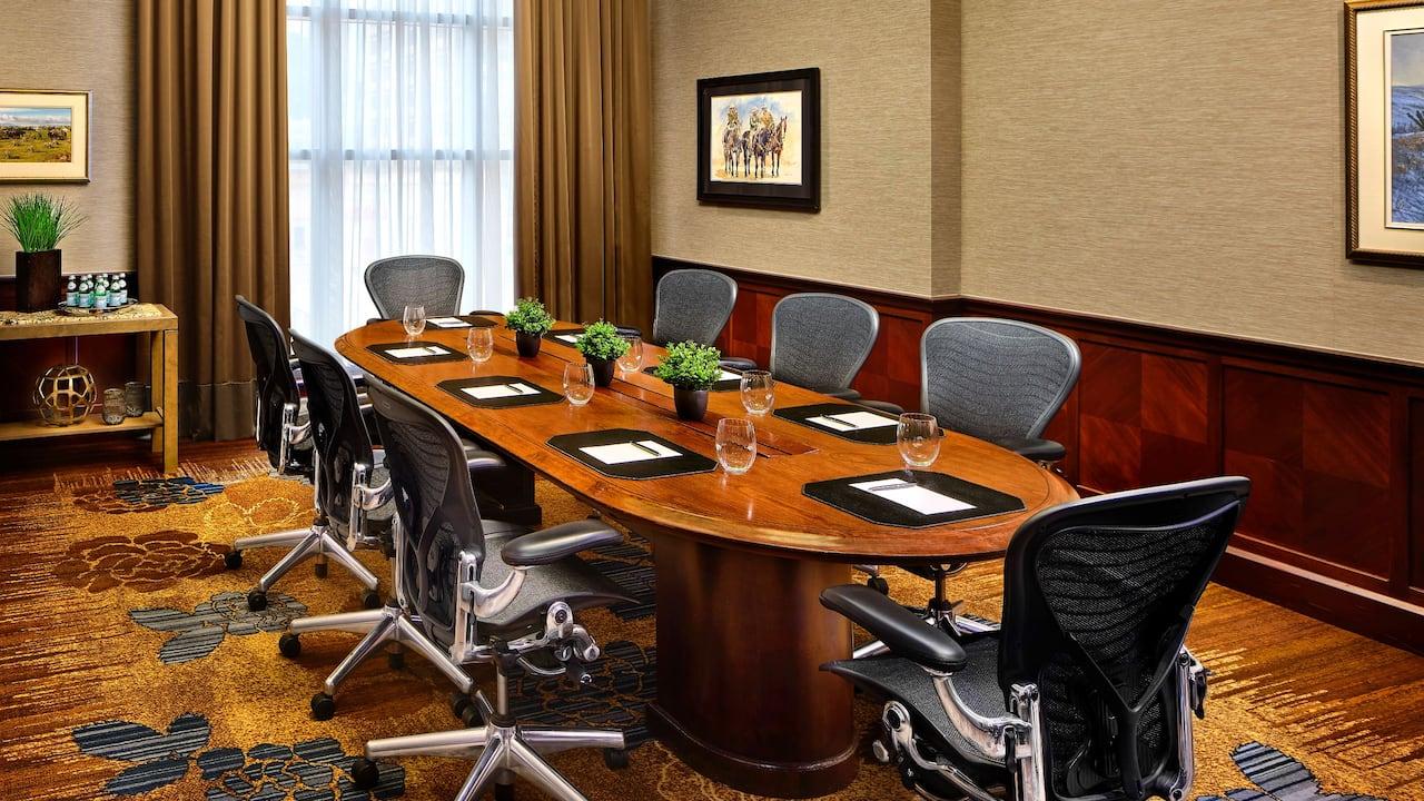 Hyatt Regency Calgary McTavish Boardroom
