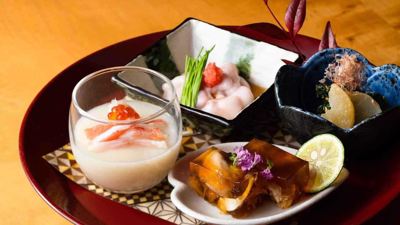 Hyatt Regency Hakone Resort & Spa| Dining Room Sushi Appetizer