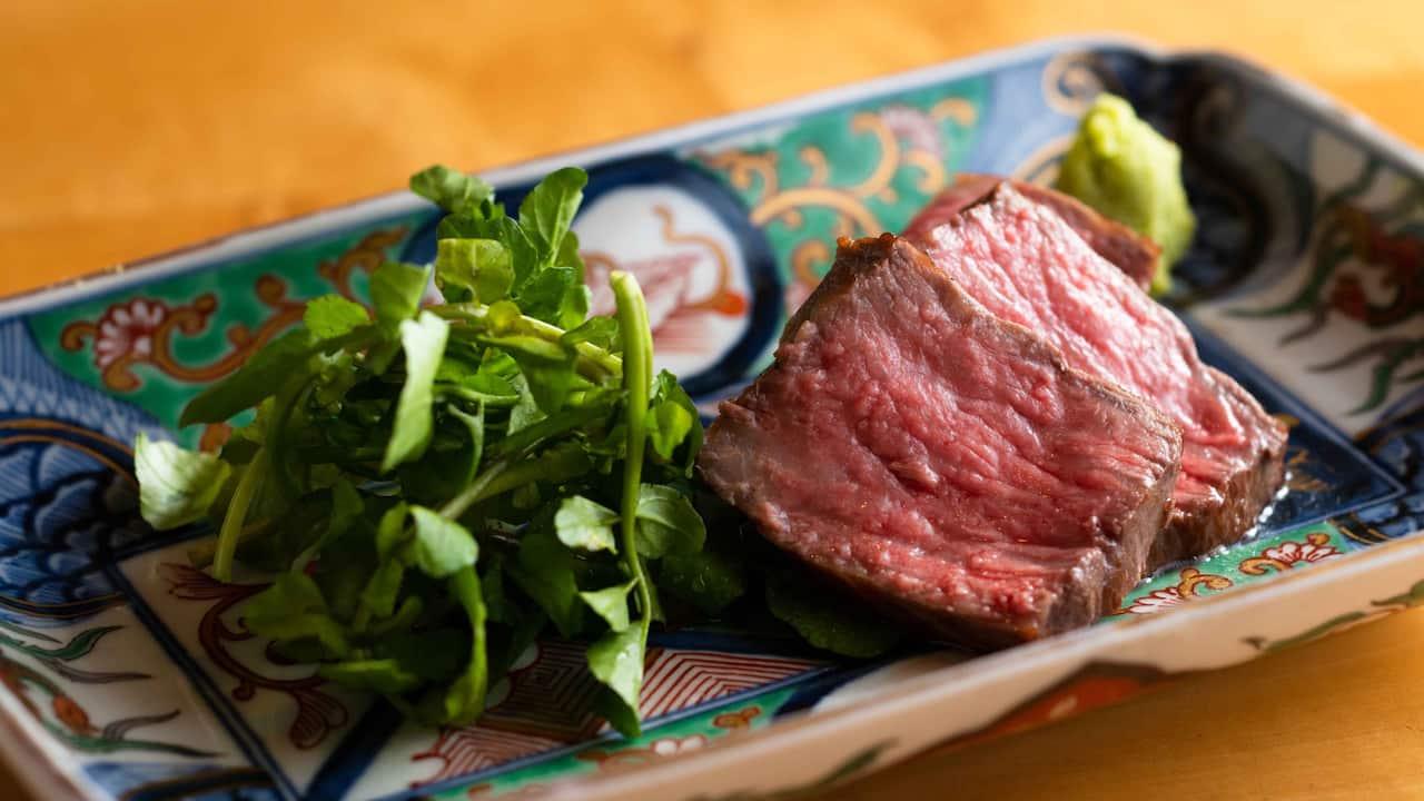 Hyatt Regency Hakone Resort & Spa| Dining Room Sushi Charcoal Grilled Beef
