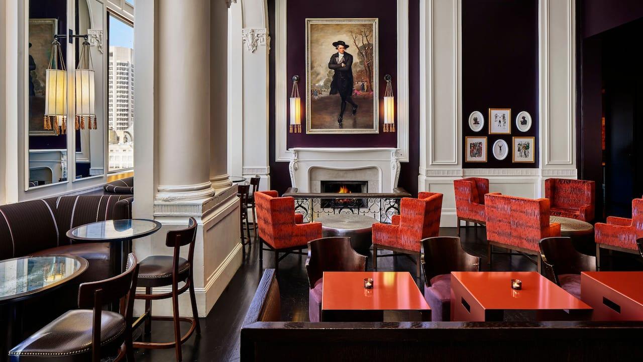 XIX Lounge