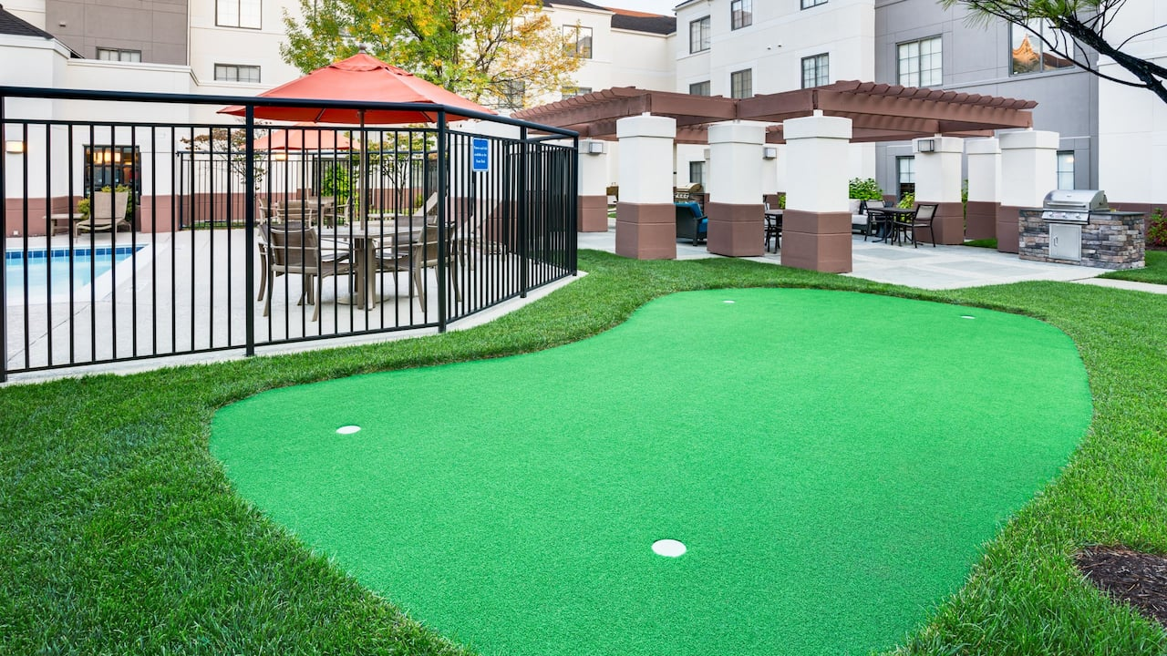 Exterior Putting Green