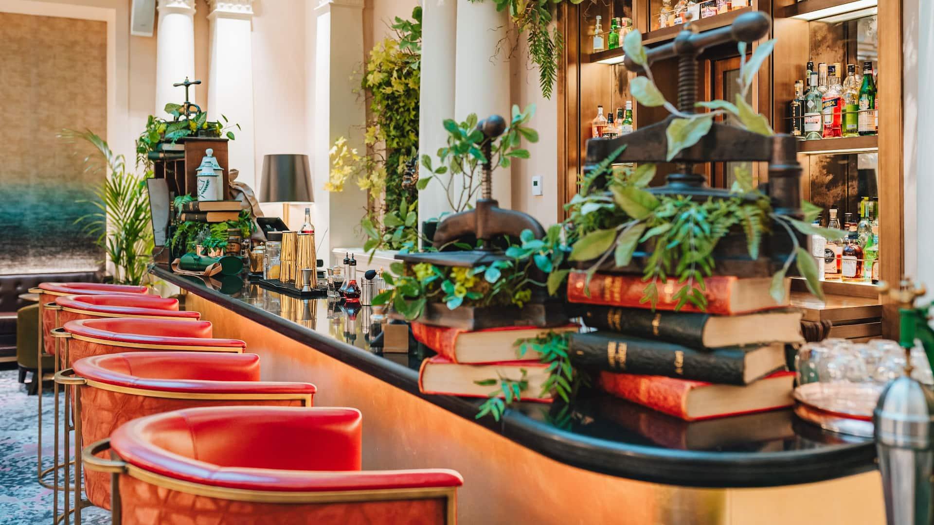 L'Officine du Louvre The Bar at Hôtel du Louvre by Hyatt in central Paris