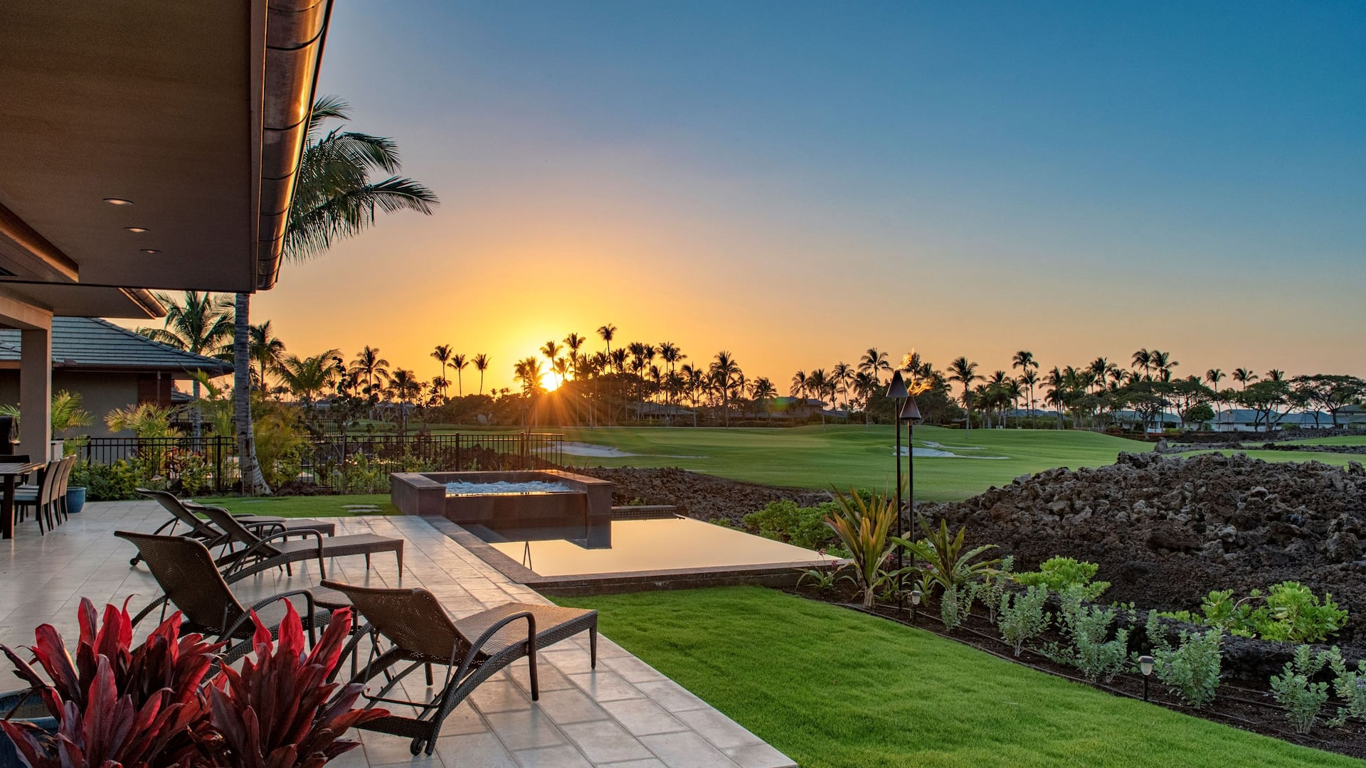 Destination-Residences-Hawaii-Laulea-P004-Patio-Sunset
