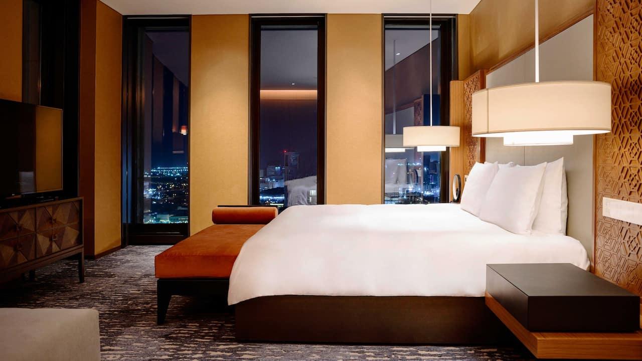 Upscale Rooms Amp Suites Near Souq Waqif Doha Park Hyatt Doha
