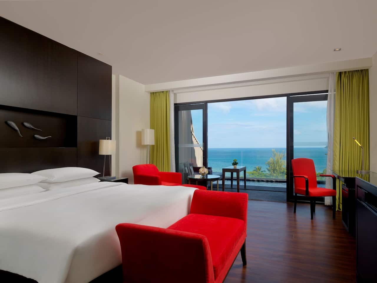 5-star Phuket Hotel in Kamala Beach 1 King Bed Ocean View Club Access with Plunge Pool