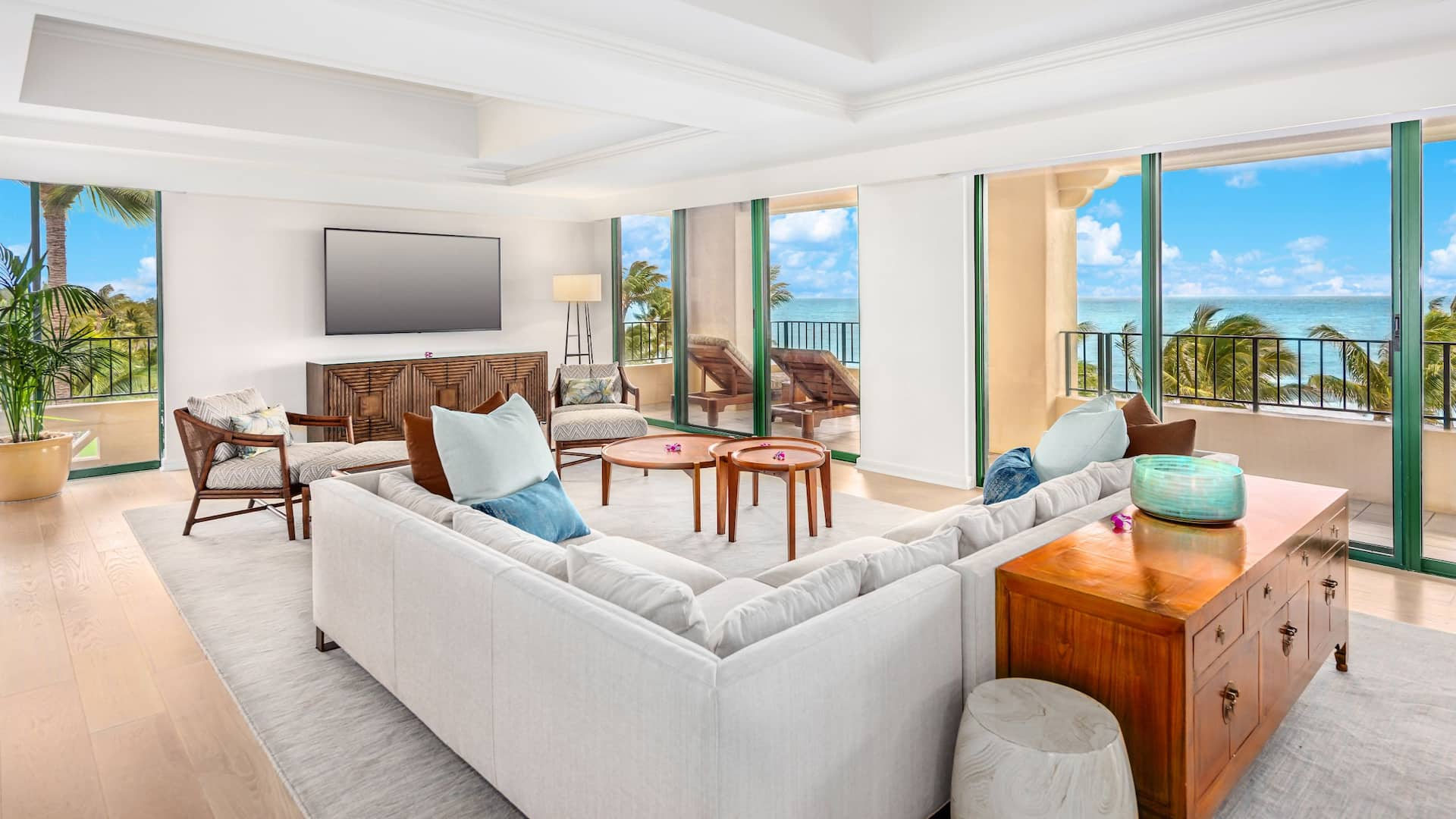 ALII Suite Living Room