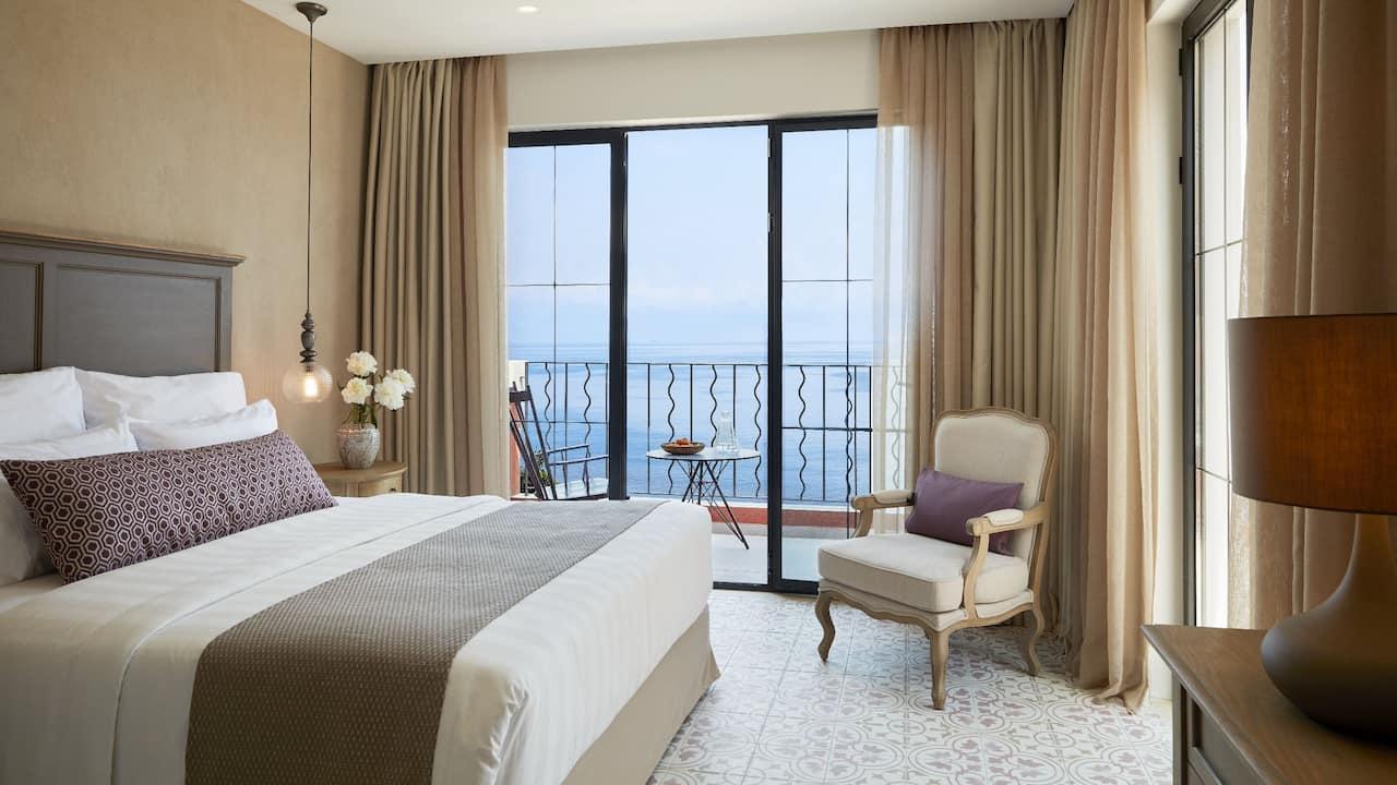 Grand Terrace Junior Suite