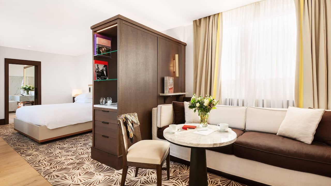Hyatt Suite 701