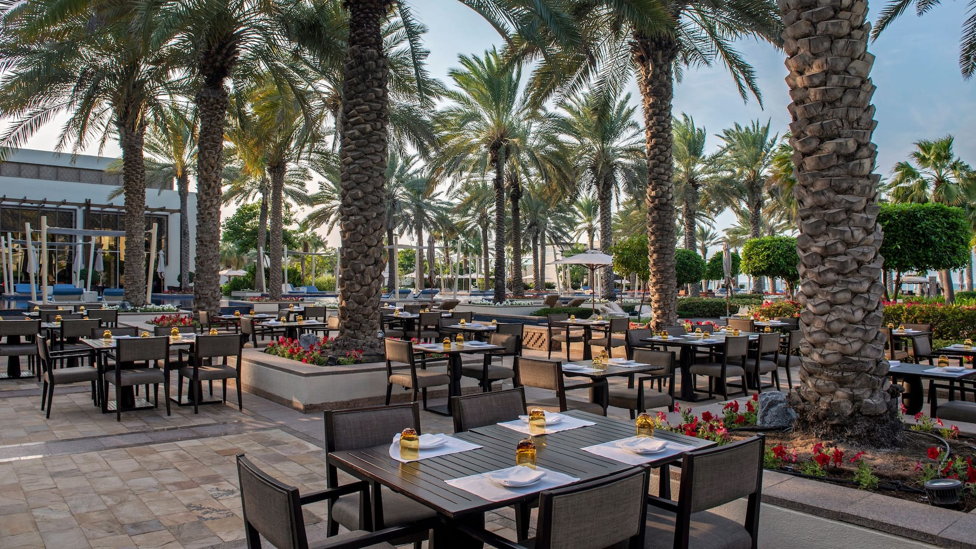 Outdoor Seating - The Park Grill