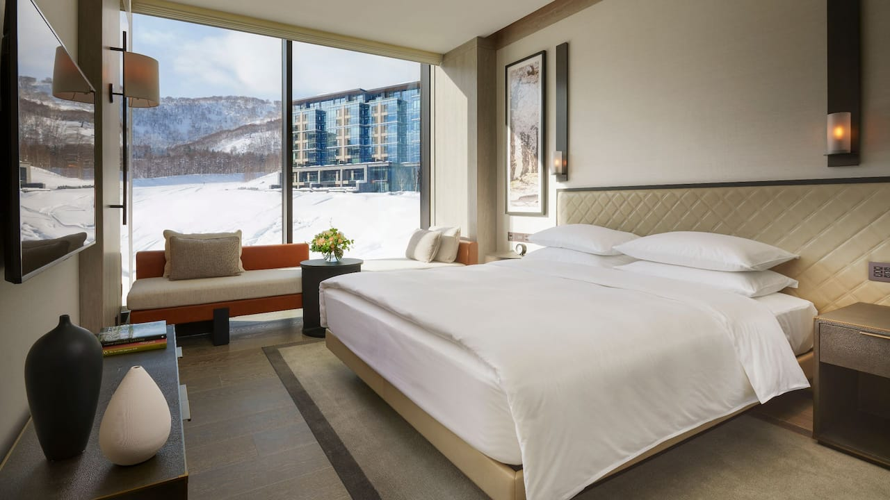 Park Hyatt Niseko Hanazono 1 King Bed Mountain View