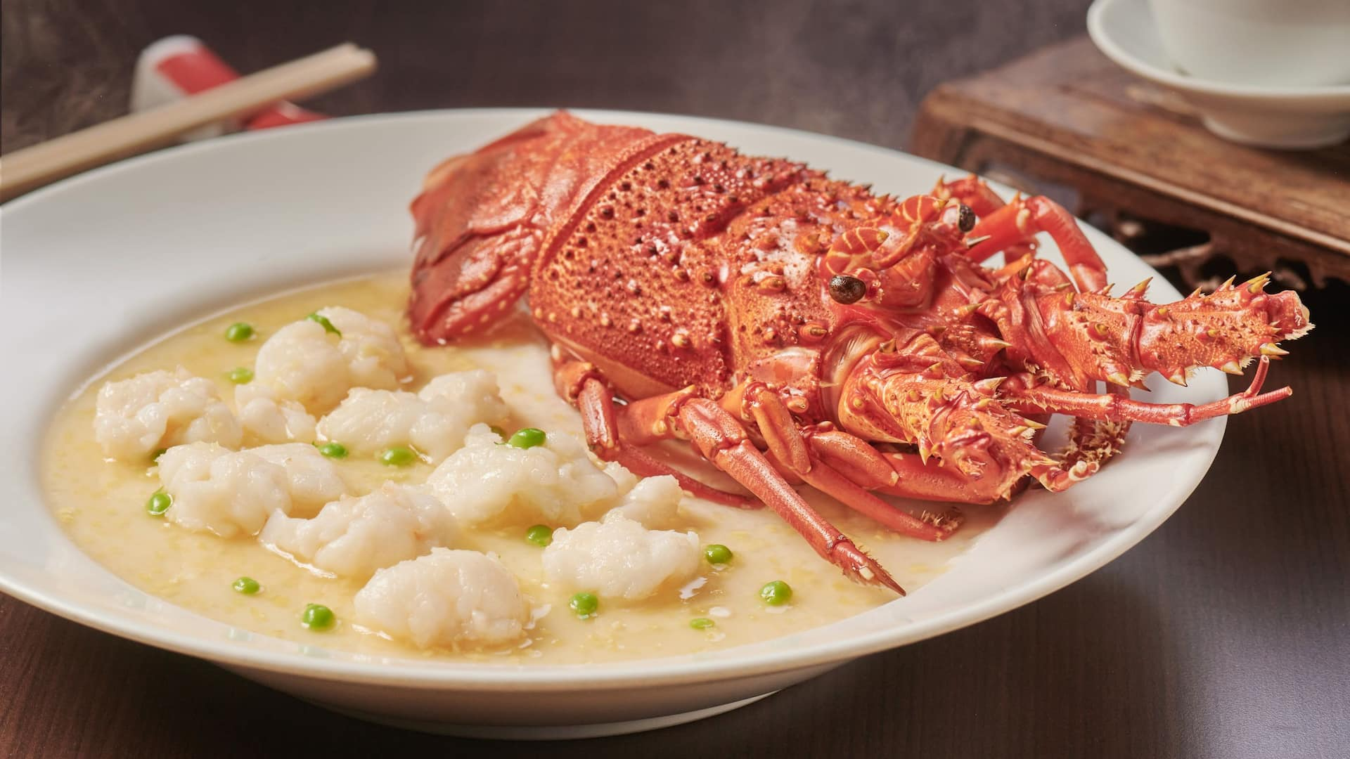 The Chinese Restaurant Steamed lobster, egg white 蛋白蒸龍蝦球